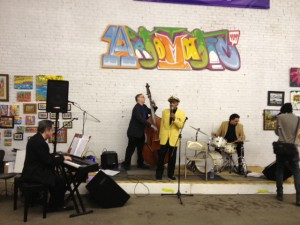 Jon Hendricks performs at Artomatic 419